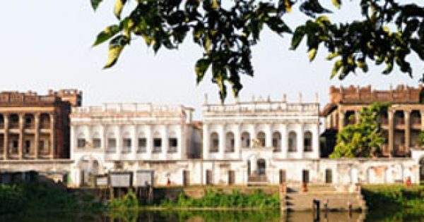Baliati Palace: History, How to go, Visiting Hours, Entry Fees