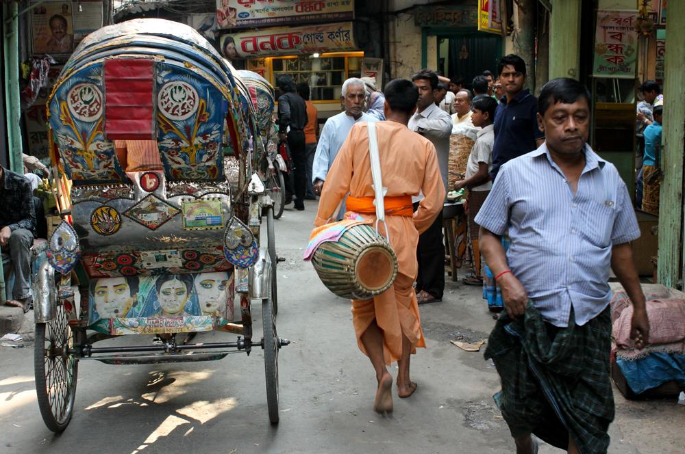 A back-street of Dhaka.