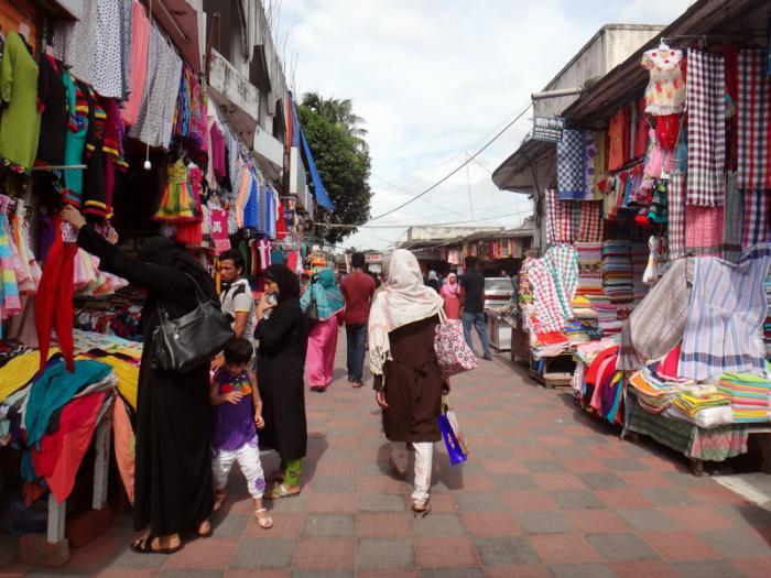 Shopping at New Market in Dhaka