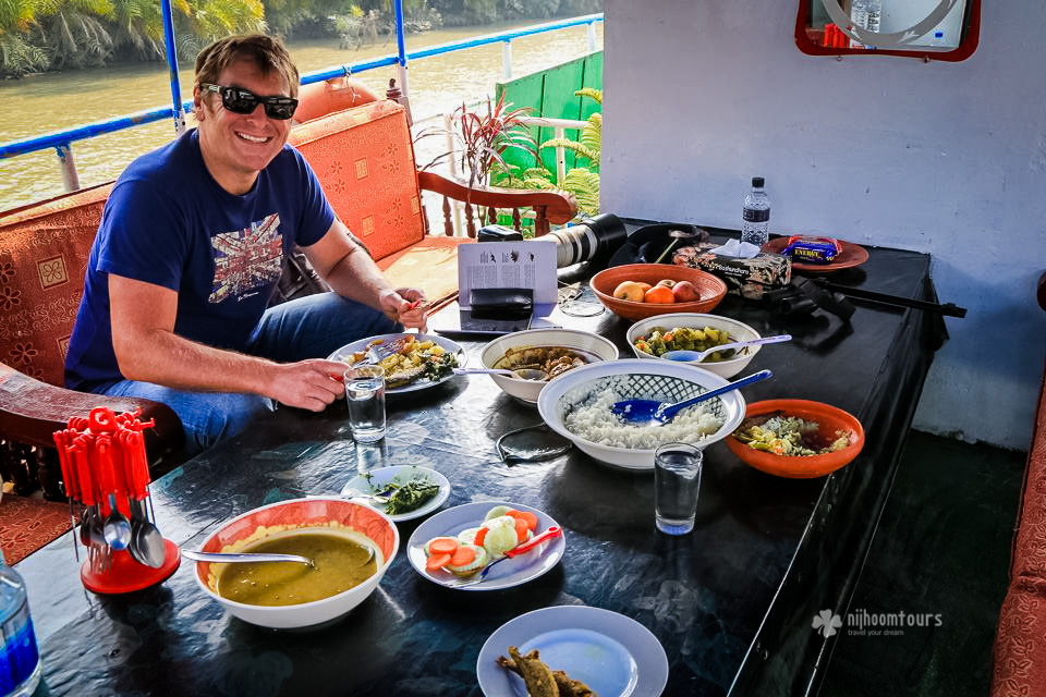 Sheyne Walsh from Australia enjoying his lunch at Sundarbans
