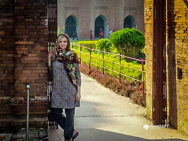 Svetlana Suslova at 60 Dome Mosque in Bagerhat