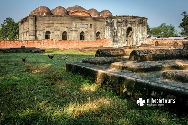 A photo of Choto Sona Masjid (Mosque) in Gaur (Gauda / Gour)